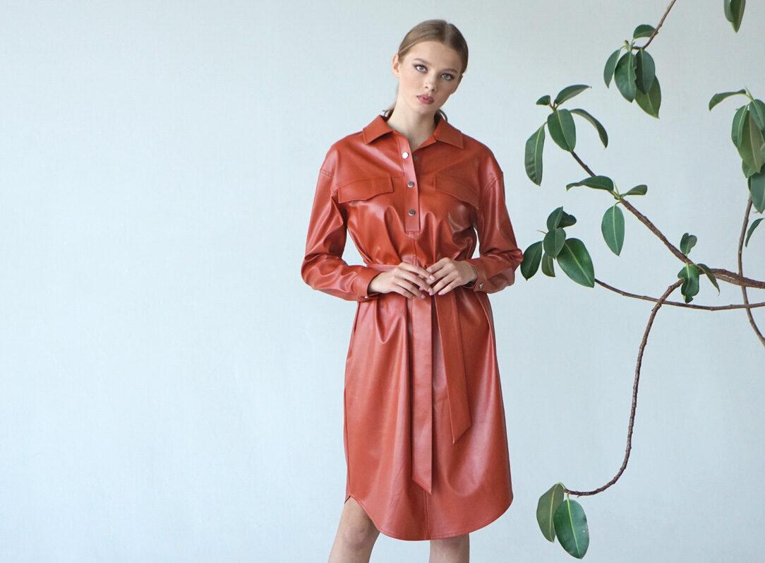 женская одежда из эко-кожи